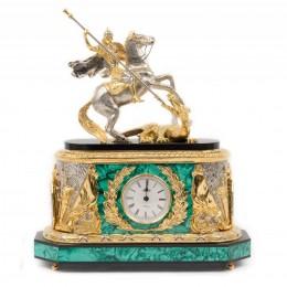 """Каминные часы из малахита и бронзы """"Святой Георгий"""" (златоустовская гравюра) выс.35см"""