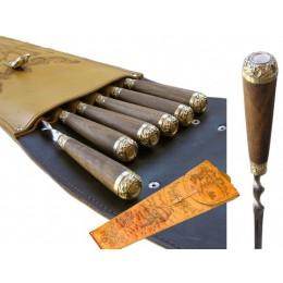 Набор шампуров из 6шт. с разными видами животных на рукояти в колчане из натуральной кожи