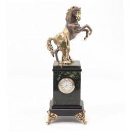 """Декоративные часы из нефрита """"Боевой конь"""", высота 29,5 см"""