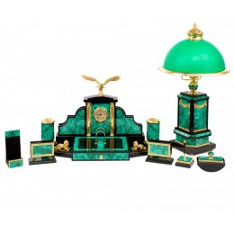 """Настольный набор руководителя из малахита с лампой и часами """"Могучая птица"""""""