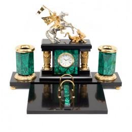 """Элитный настольный набор из малахита с часами """"Святой Георгий"""" (златоустовская гравюра)"""