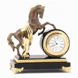 """Настольные часы """"Конь с попоной"""" долерит 170х100х190мм"""