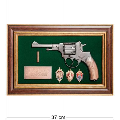 "ПК-217 Панно с пистолетом ""Наган со знаками ФСБ"" в под. уп. 25х37"