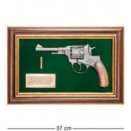 """ПК-218 Панно с пистолетом """"Наган"""" в подарочной упаковке 25х37"""